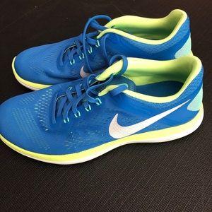 Nike Flex 2016 Run shoes